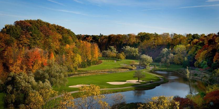 Glen_Abbey_Golf_Club002___Super_Portrait.jpg