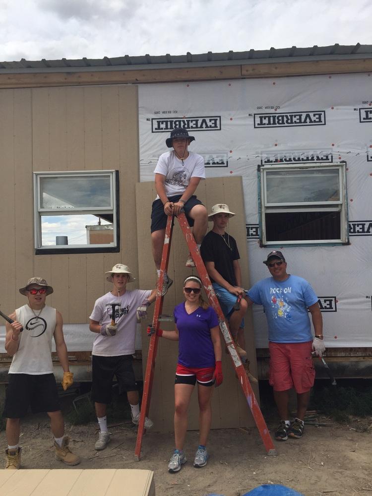 2015 mission trip exterior work crew.jpg