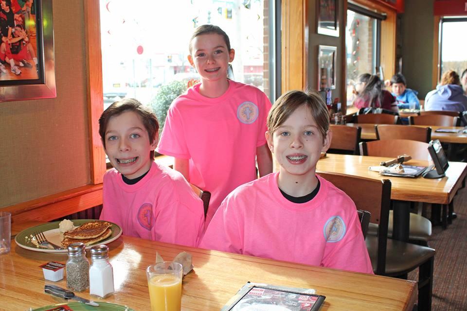 kids' enjoying food.jpg