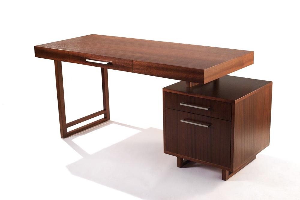 Plateau Desk 9.jpg
