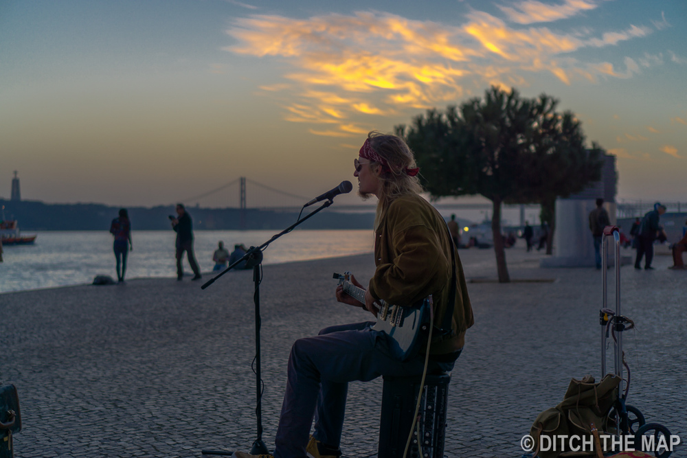 Street performer in Lisbon, Portugal