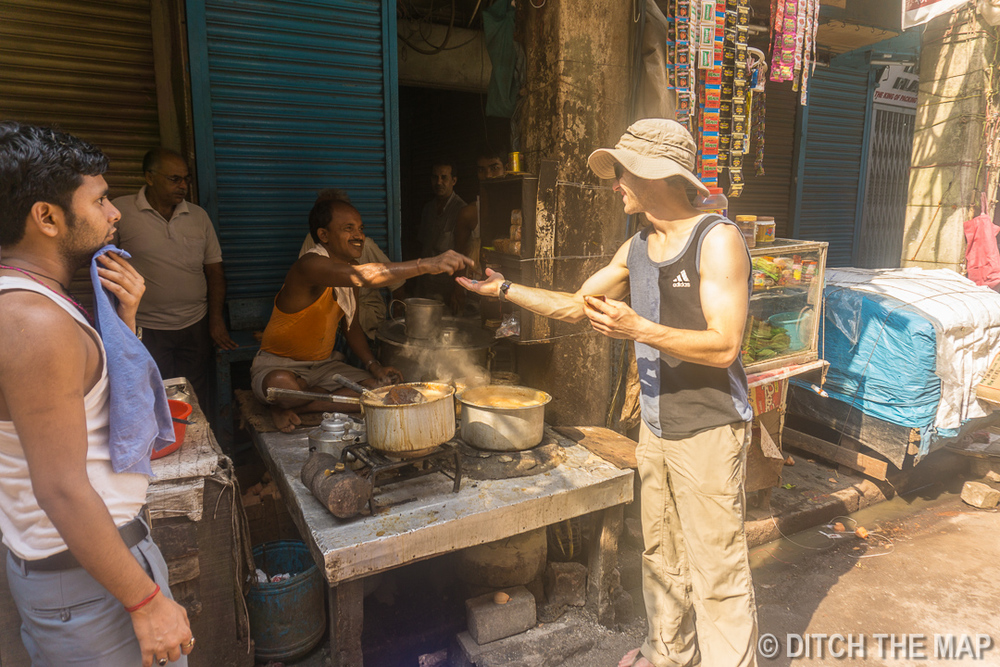 Ordering some Chai Masala (for 4rp)on the Street in Kolkata, India