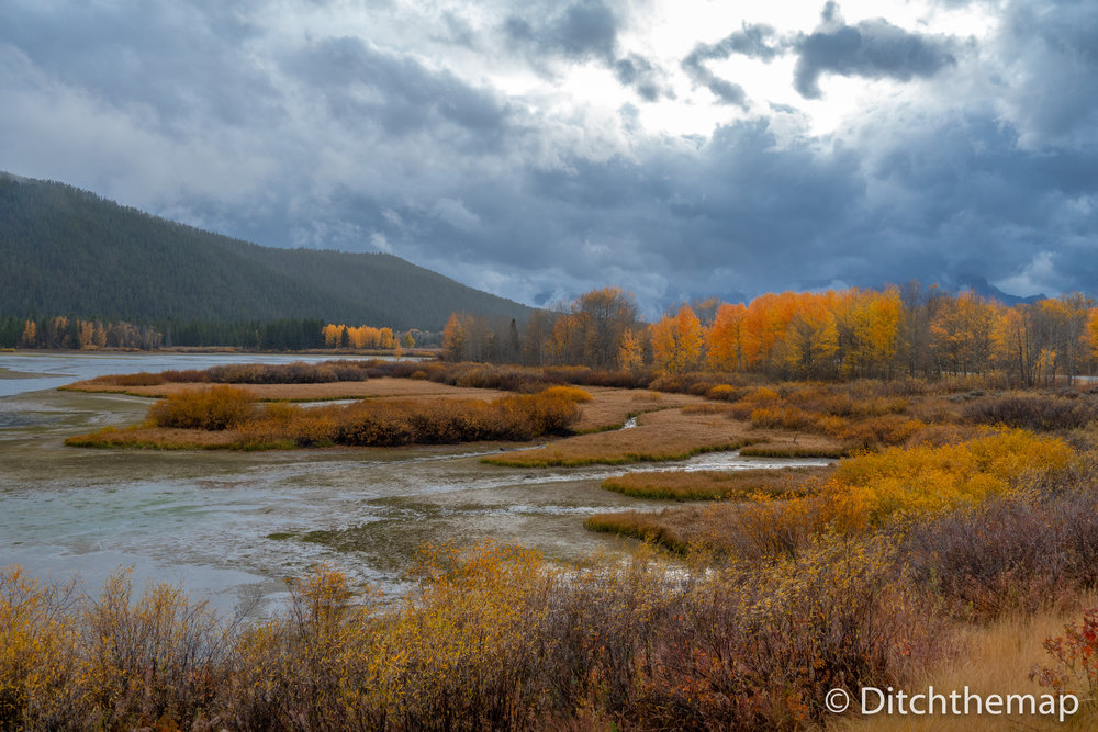 Autumn Colors of Mountain and Lake in the Grand Tetons, National