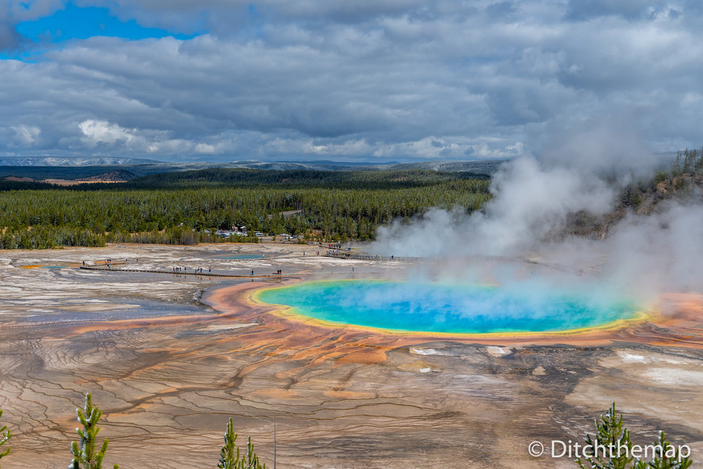 Grand Prismatic Springs in Yellowstone National Park, Wyoming