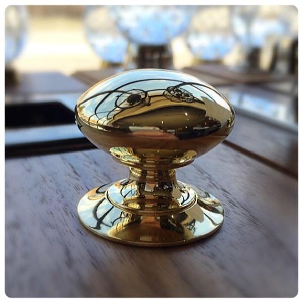 Lawndale-cabinet-knob-wh-cabinet-cabinetknob-lawndale-brass.jpg