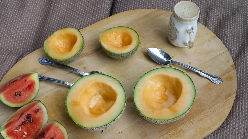 Cantaloupe in Pink Peppercorn Syrup   instructions Combine 1/4 cup sugar, 2 teaspoons pink peppercorns, 1 bay leaf, and 1/4 cup water in a small saucepan. Split 1/2 vanilla bean lengthwise and scrape seeds into saucepan; add pod. Bring mixture to a boil, stirring to dissolve sugar. Let cool; remove bay leaf and vanilla pod. Serve 1 medium cantaloupe (peeled, seeded, cut into 1 1/2-inch pieces) drizzled with syrup and sprinkled with flaky sea salt (such as Maldon). View Recipe Source