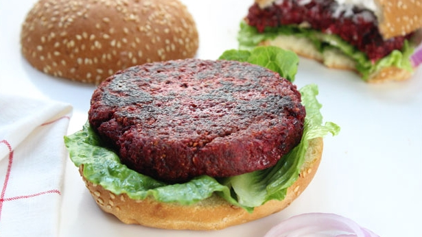 VEGAN BEET BURGERS   VIEW RECIPE   PHOTO CREDIT - ITDOESNTTASTELIKECHICKEN.COM