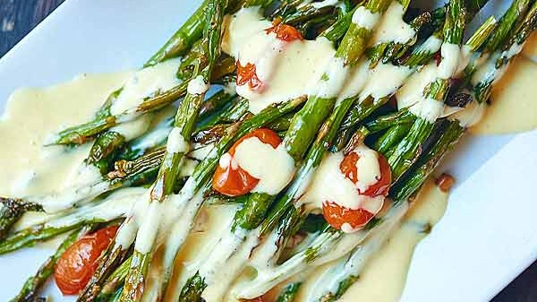 ROASTED ASPARAGUS AND TOMATO WITH LEMON GARLIC HOLLANDAISE           VIEW RECIPE           PHOTO CREDIT - SHOWMETHEYUMMY.COM