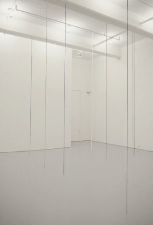 fred-sandback-at-Lawrence-Markey-1991-installation-view