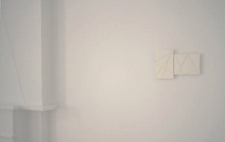 fred-sandback-at-Lawrence-Markey-2000-installation-view