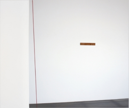 fred-sandback-at-Lawrence-Markey-1998-installation-view