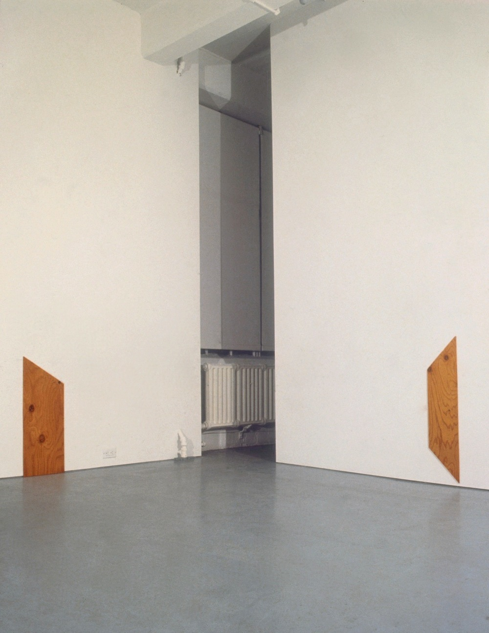 Richard Tuttle at Lawrence Markey 1990-91 1.jpeg