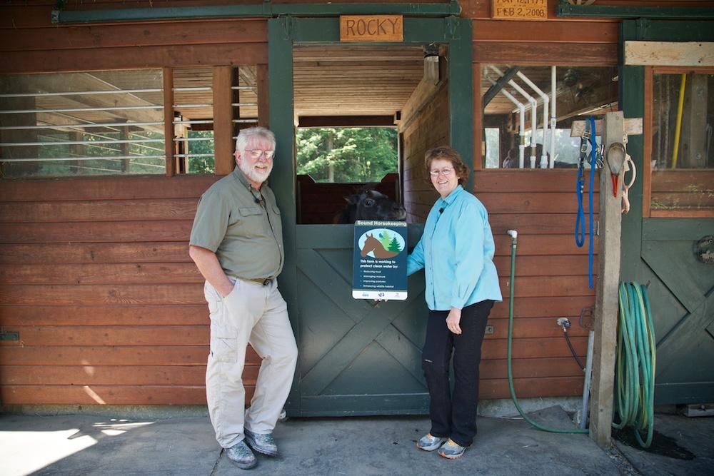 Dorothy & Earl Aalseth with sign_1.jpg