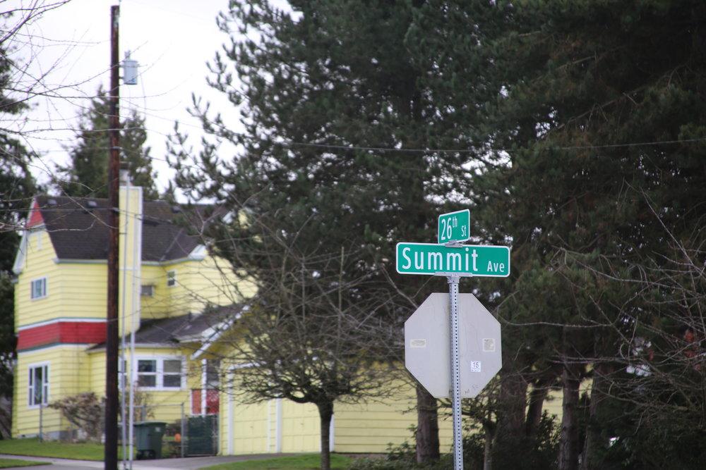 The cross streets near Kelly Hill.