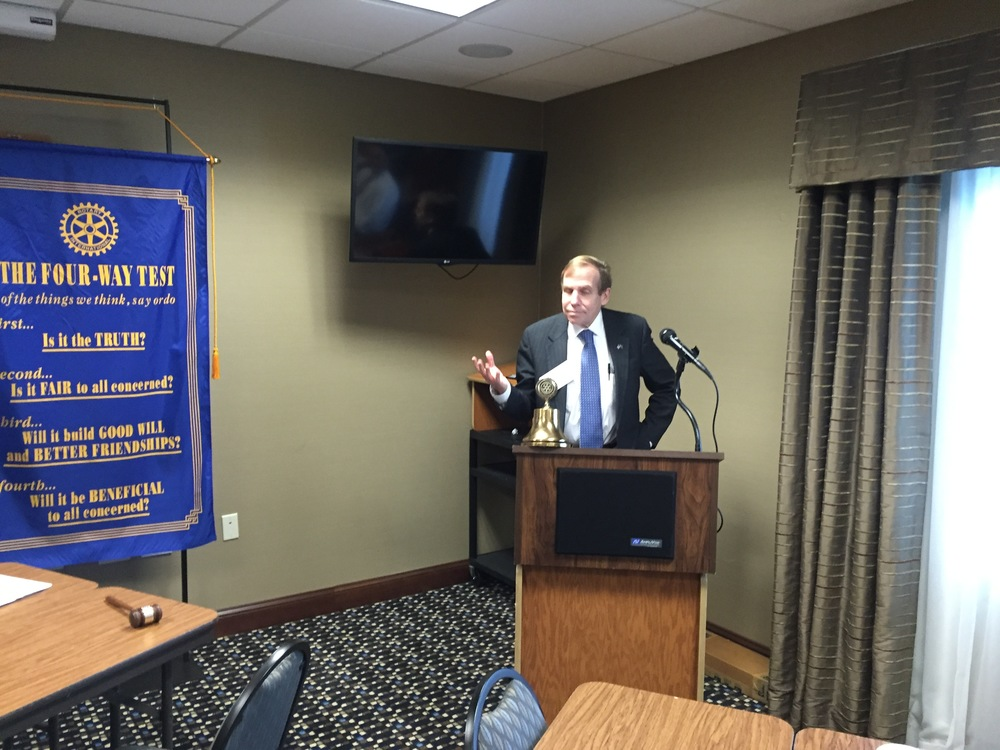 Justice Edmunds addresses Surry Sunrise Rotary Club, Mt. Airy, N.C., 24 September 2015.