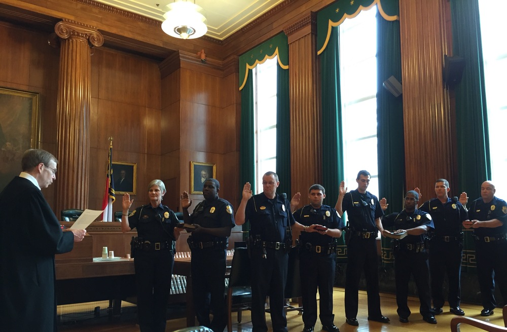Administering oath of office to new members of Capitol Police, June 15, 2016.