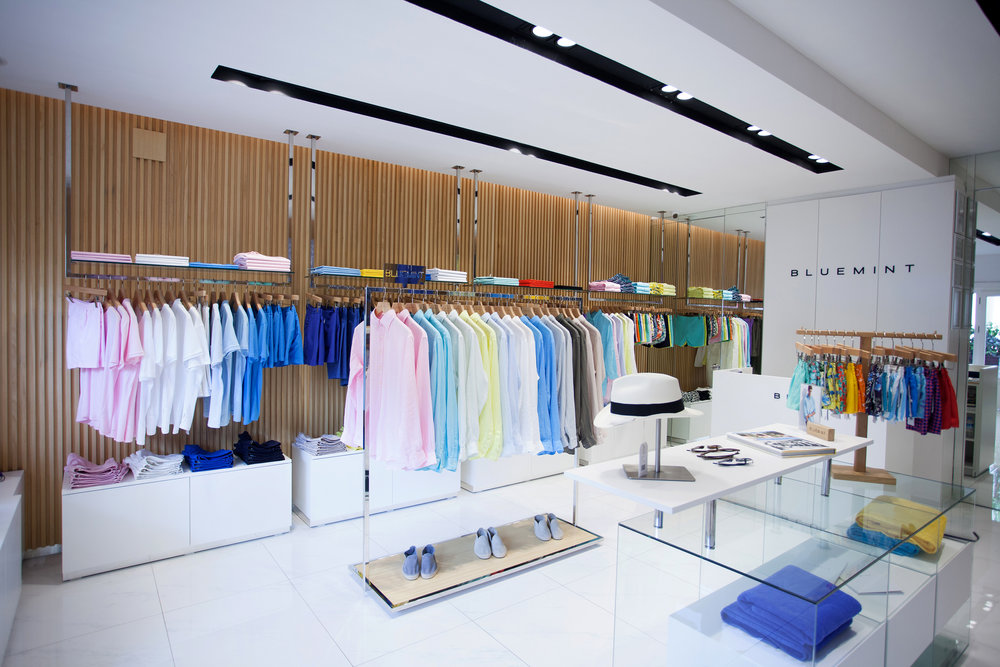 Blue Mint - This successful lifestyle brand has quickly built a large international chain of own brand stores in Saint Tropez, Capri, Juan Les Pins, Bodrrum, Milta Marina and Akmerkez. The sharp and well detailed concept represents the product of high end beach wear. The concept has been refined to make it simple to roll out and is inspired be modern architectural shapes and materials