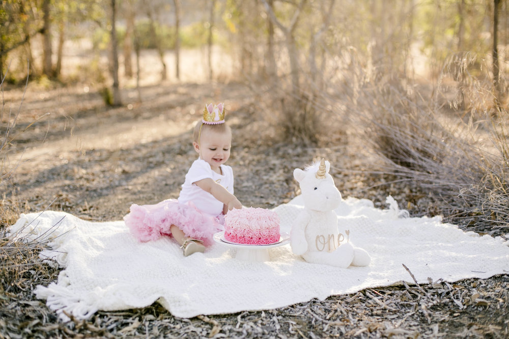 Isla Cutrano1st Bday shoot-23.jpg