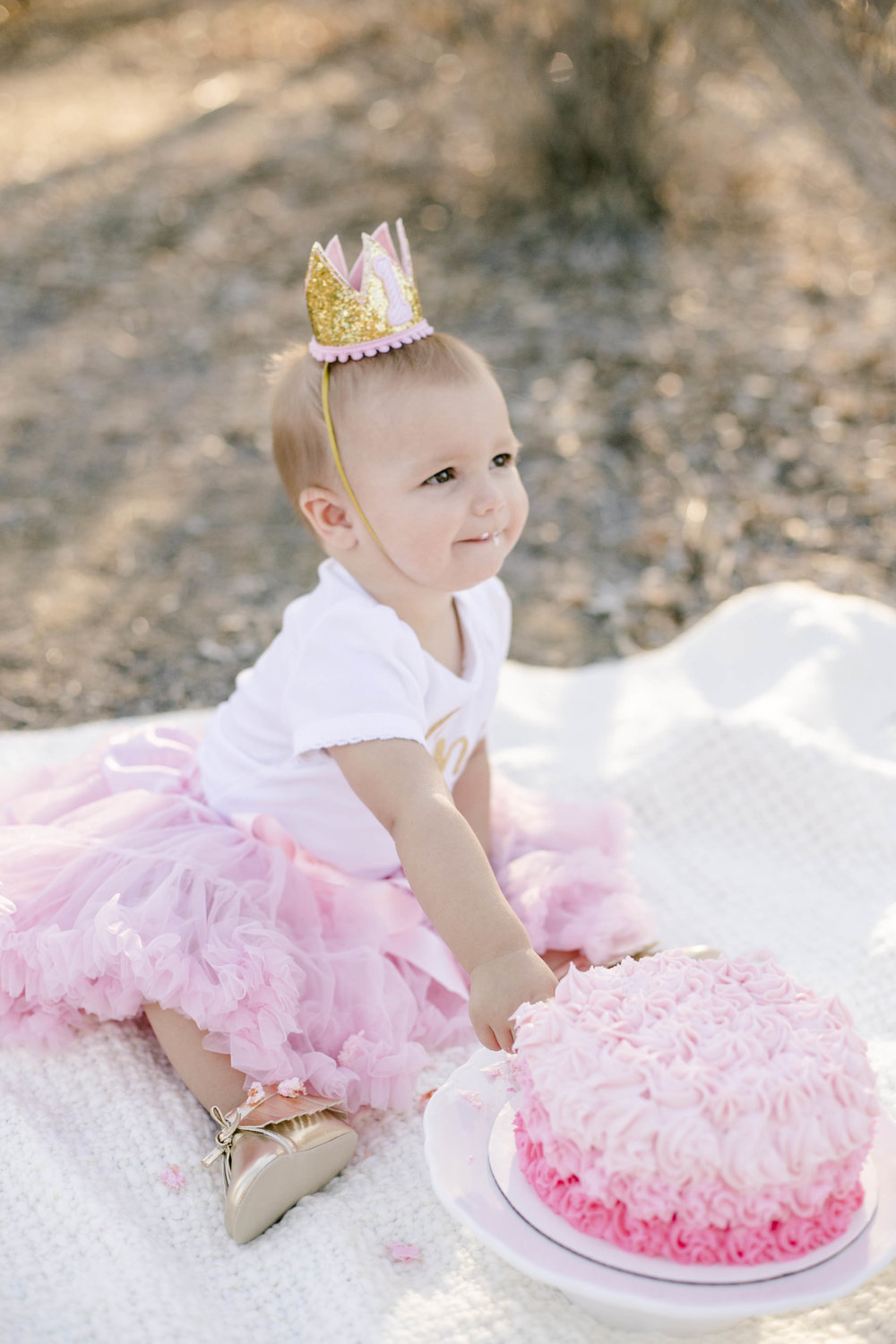 Isla Cutrano1st Bday shoot-24.jpg