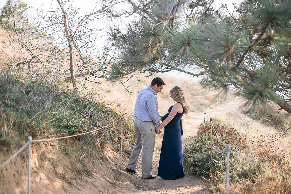 Shane_&_Shayna_Torrey_Pines Maternity_Session_2017-8.jpg
