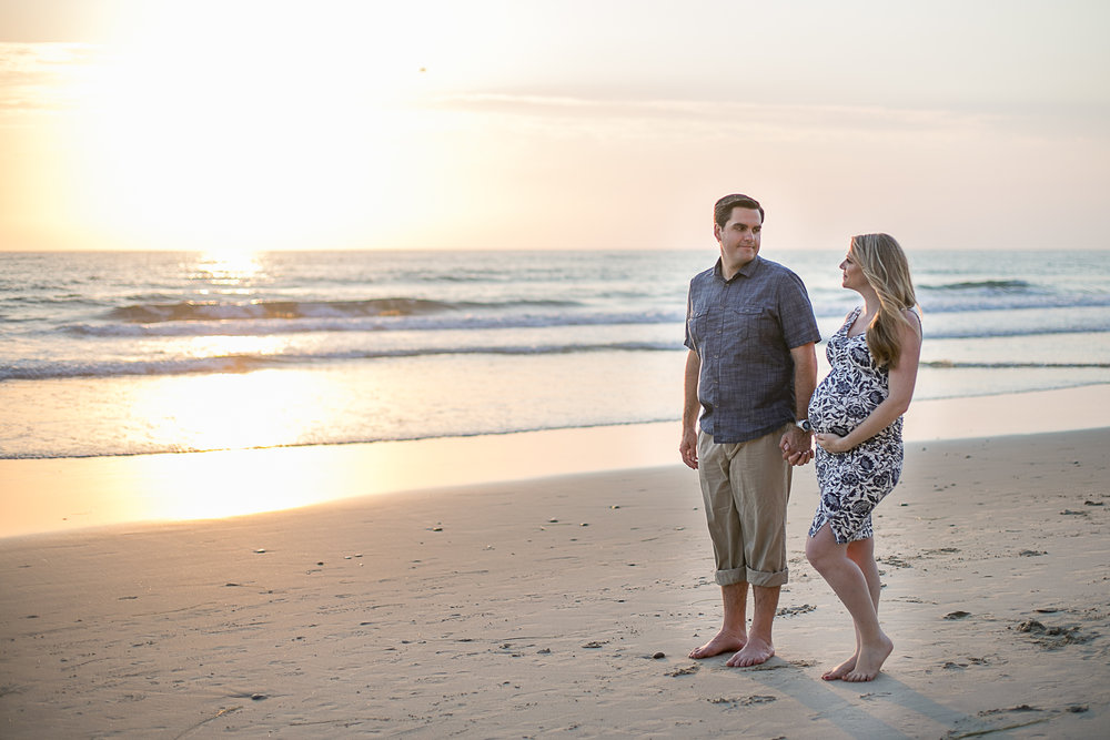 Shane_&_Shayna_Torrey_Pines Maternity_Session_2017-17.jpg