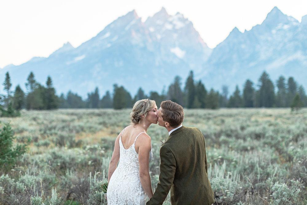 Jackson Hole Golf and Tennis Gran Teton National Park Modern Romantic Mountain Style Shoot-116.jpg