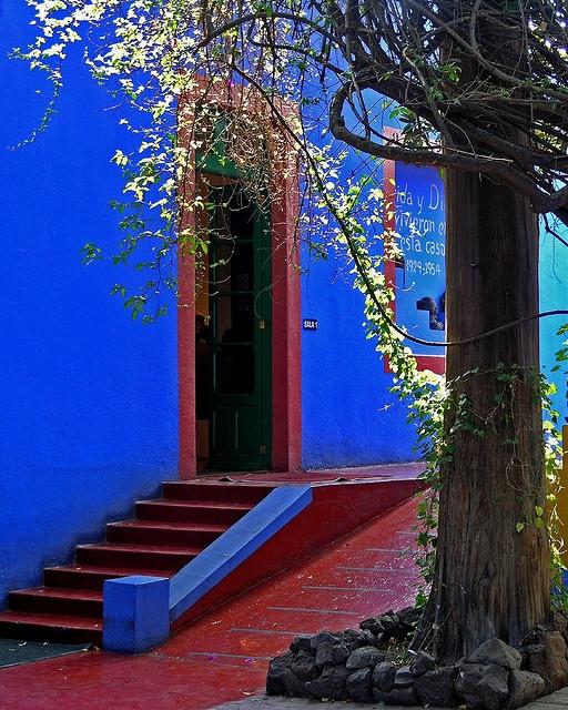 frida kahlo's house.jpg