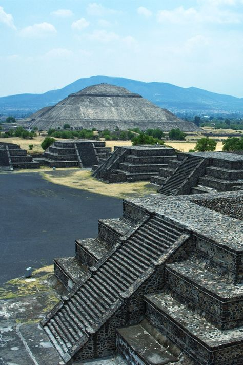 pyramid of the sun.jpg