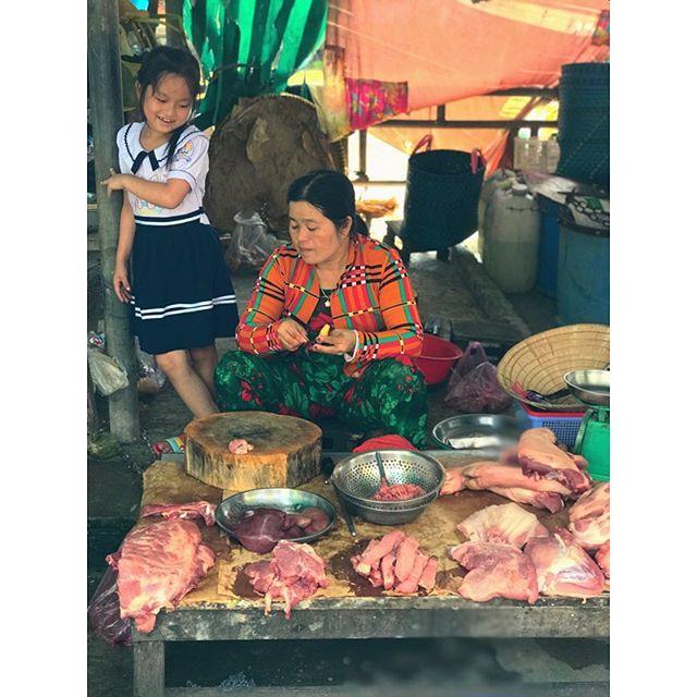 Lady butchers rule the scene at Cho Nong San market in Vietnam 🇻🇳🥩. #butcherlife #ladybutcher #chonangsanmarket #scenicspirit #mekongrivercruise #lifeonthemekong #mekongriver #luxuryrivercruise #meatsweats