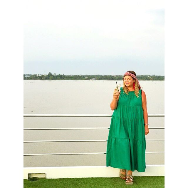 Favorite sunset spot on the Scenic Spirit for sunsets / golden hour 🌅🍹❤️🥥🚢 #scenicspirit #luxuryrivercruise #magichour #lifeonthemekong #mekongriver #rivercruise #mekongrivercruise #lifeonthemekong #sunsets 📷: @lafrye