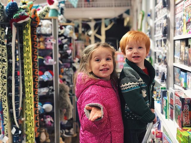 the shop kids are wishing you a happy holiday season! ❄️