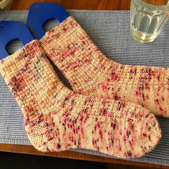 Another pair of #dyedbydarrin SockEase. Can't wait to wear with my pink Doc Martens. Thanks @misterwoolybear for the great speckles! #lionbrandyarn #knittersofinstagram #yarnnomads #knitting