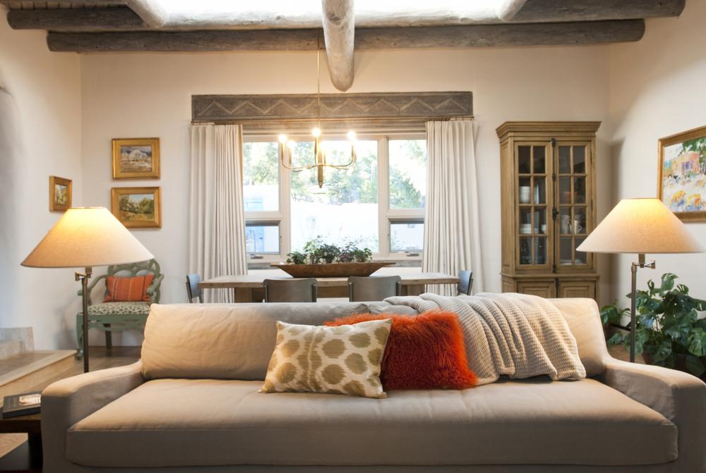 livingroom 520140918_0395_retouch.jpg