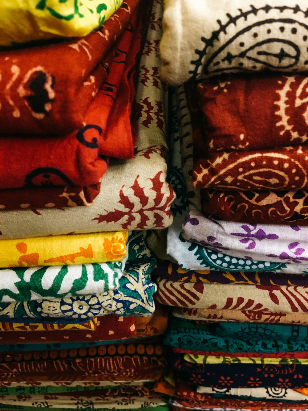 Dakshinapan - a feast for the eyes within Kolkata! Dakshinapan is a complex of stores, all carrying handicrafts and handloom textiles from all over India. It's an art-lover's paradise. This stack of beautifully block printed textiles is just a tiny portion of what one store carried!