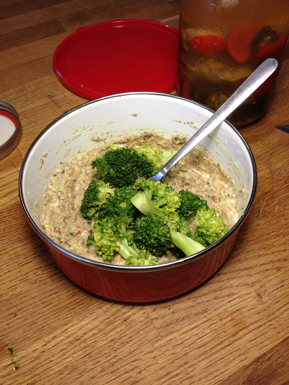 The mashed ingredients cited above, with the steamed broccoli.