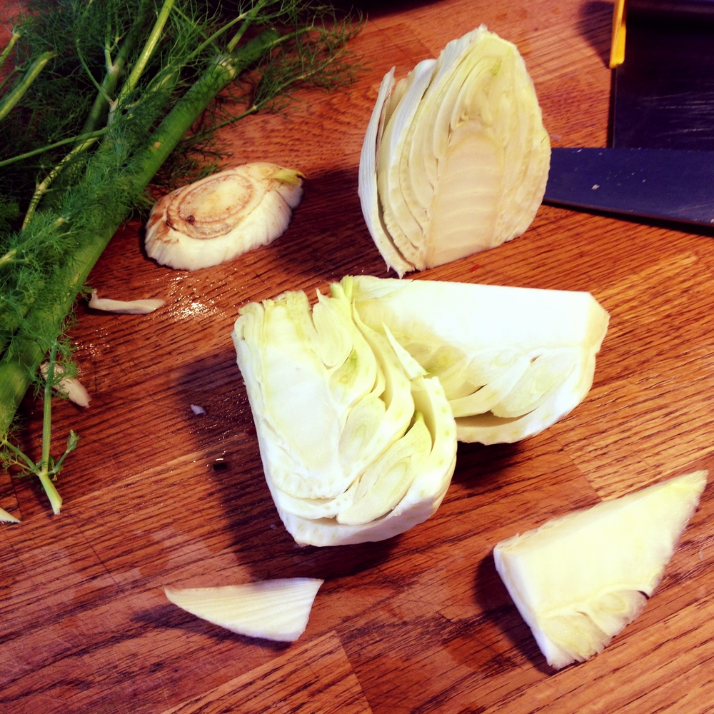 To chop fennel, slice off the fronds and base of bulb, cut the bulb in half and in half again, and slice out the tough inner core. Thinly slice the remaining parts of the bulb, add liberally to salads. You can use the fronds to flavour your salad, or add them to your next sauerkraut, yumyum!
