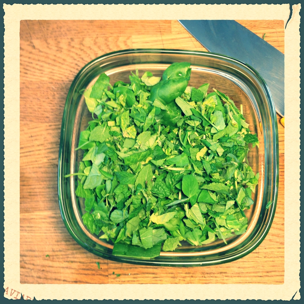 spinach mint and pea sprouts. talk about super greens.