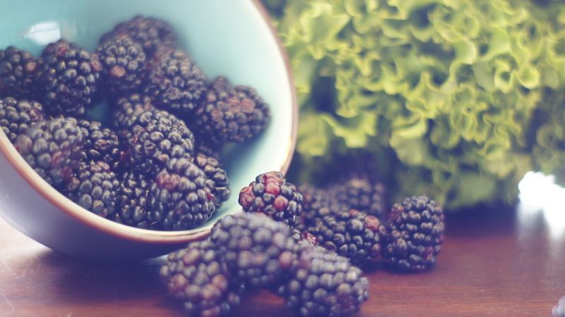 blackberries_lettuce.jpg