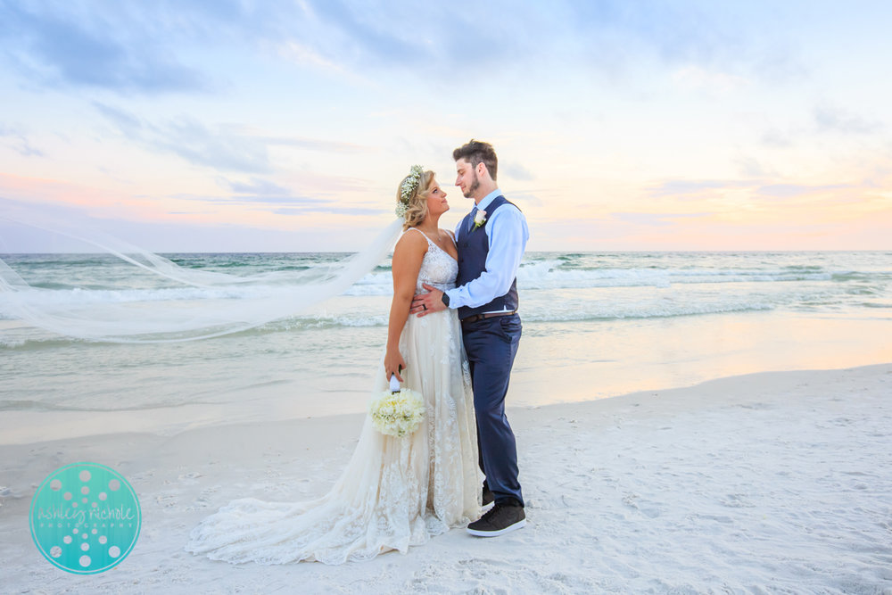Surfside Resort- Destin Florida- Wedding Photograher ©Ashley Nichole Photography-291.jpg