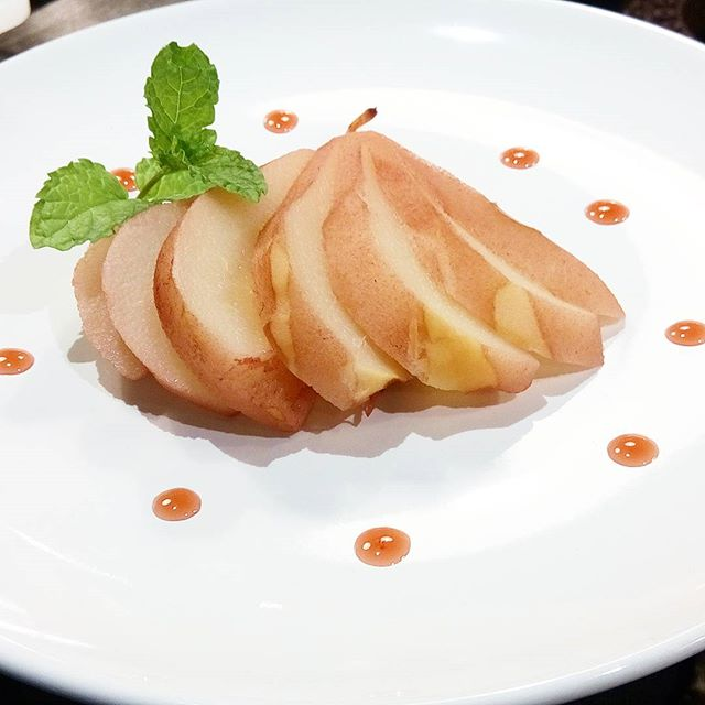 Cause we love dessert Pear poached in home made aglianico vinegar with reduction of home made cherry vinegar #neapolitansdoitbetter #easyntasty #privatekitchen #segretoprivatekitchen #instagood #instafood #dessert