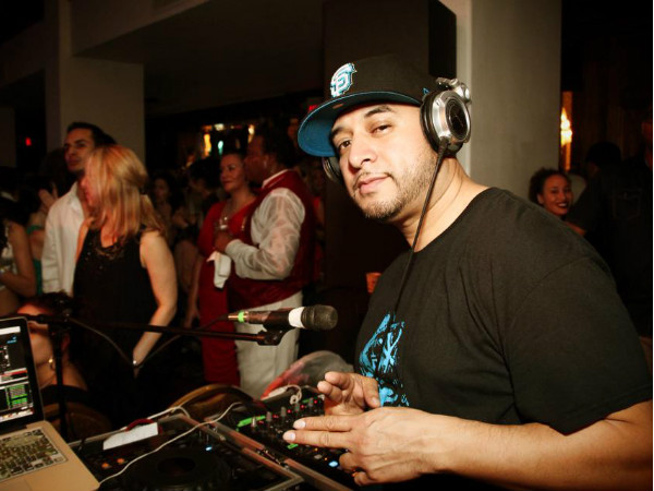 DJ Walt Digz Salsa Rueda Festival