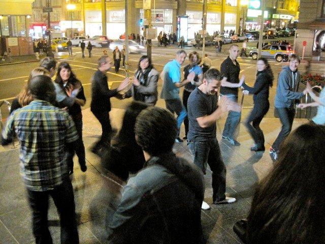 Timbus Flash Mob Rueda Tour of San Francisco 8.jpg