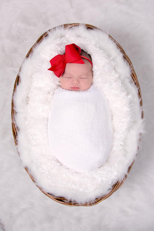 2014-11-18_Tinley Fader_newborn (26).jpg