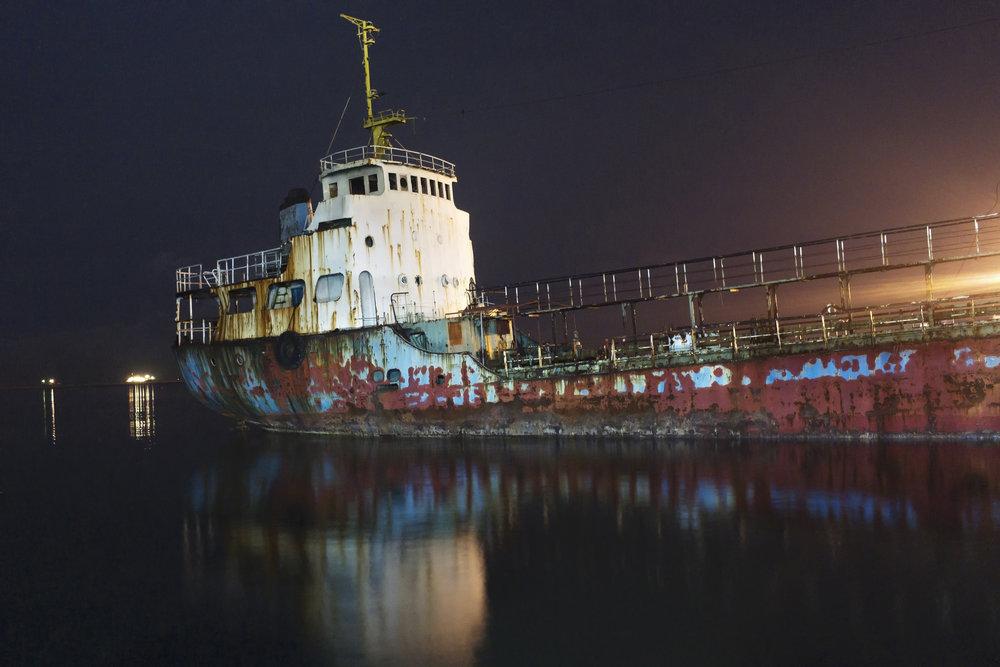 Boat Stranded 30 desat.jpg