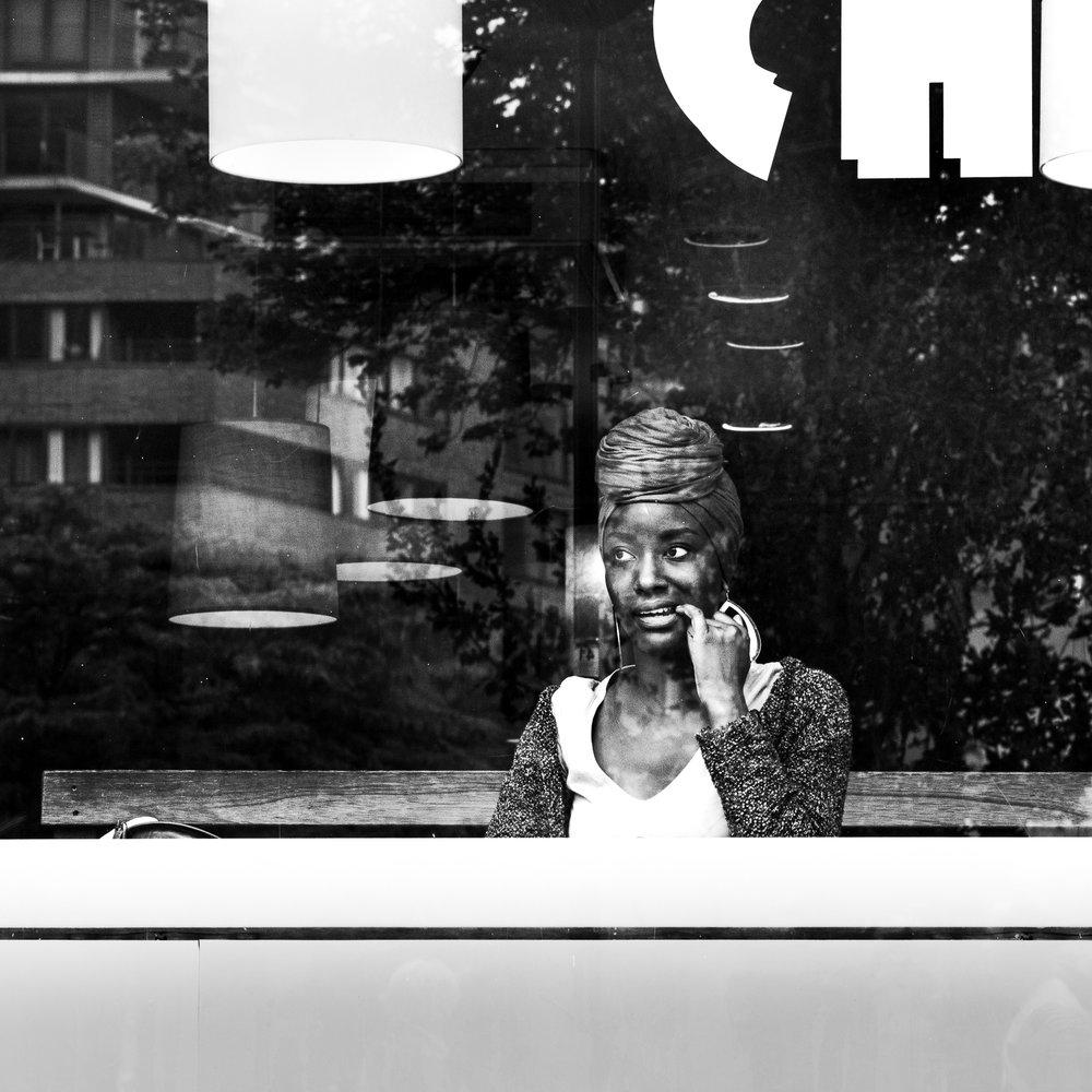 Woman_Window_Hoogstraat.jpg