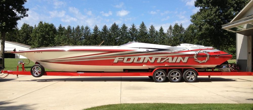 Boat Spotlight: 42' Fountain Lightning (