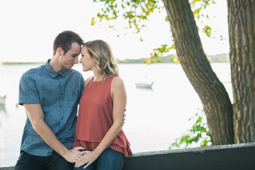Lake Calhoun Engagement Session (8 of 31).jpg