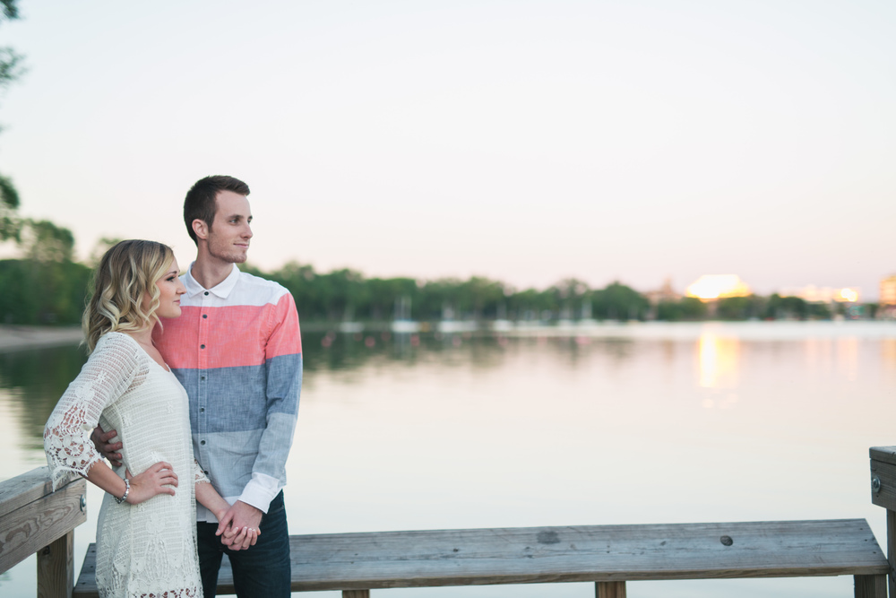 Lake Calhoun Engagement Session (20 of 31).jpg