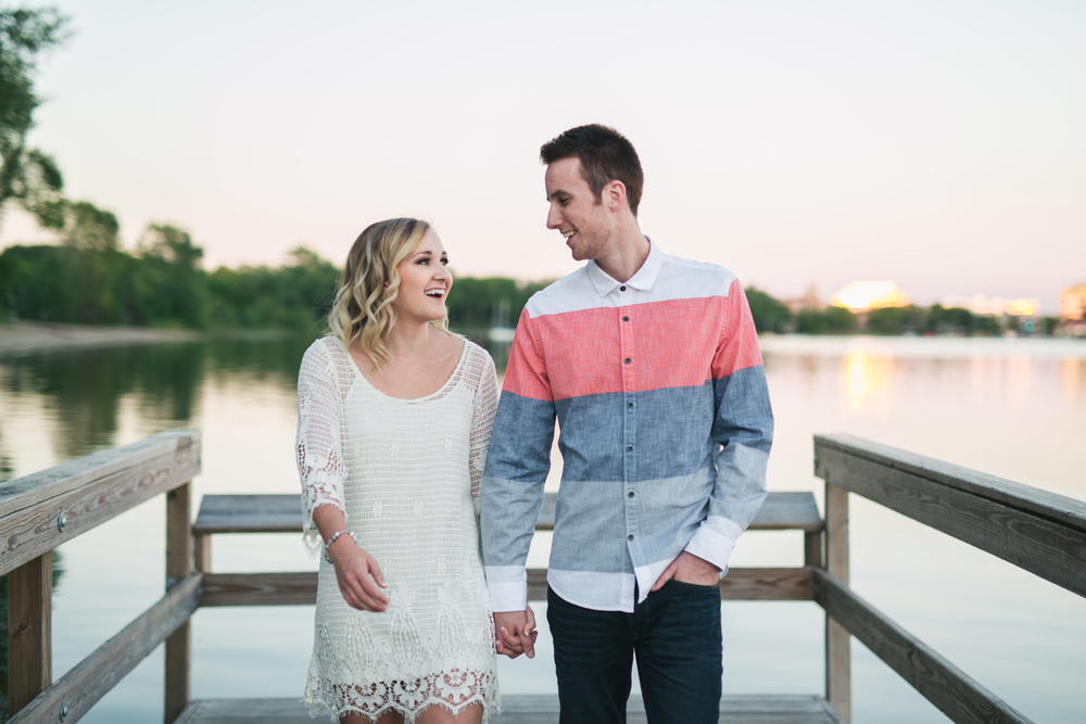 Lake Calhoun Engagement Session (22 of 31).jpg
