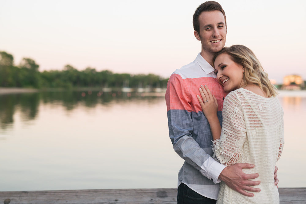 Lake Calhoun Engagement Session (27 of 31).jpg